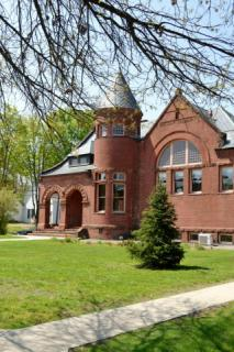 Silsby Public Library